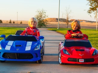 Power Wheels Racing - Corvette Stingray vs SRT Viper